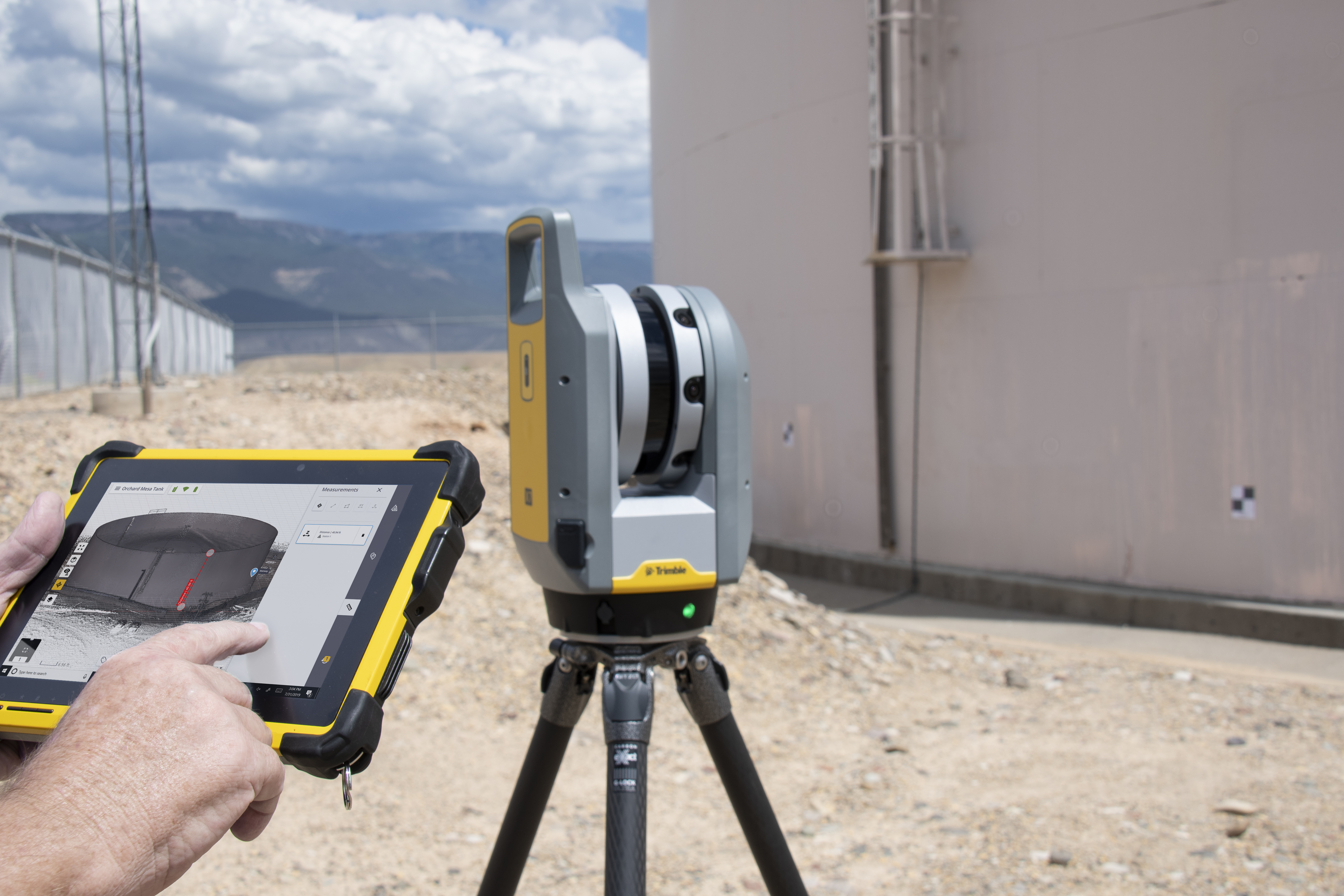 Trimble X7 with Perspective Tank Storage